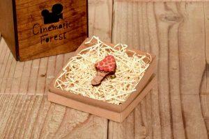 紅色キノコの木製ブローチ3