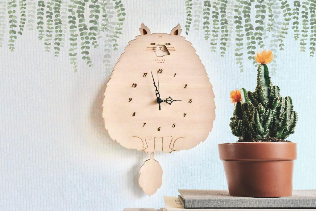 モフモフねこがフリフリする振り子時計